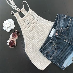 Knitted strapless tank top